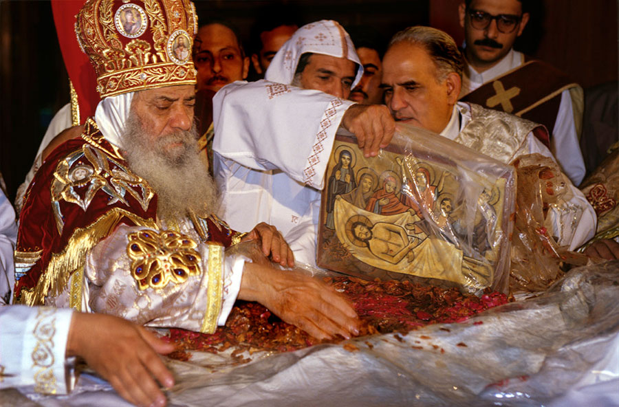 Pope Shenouda III celebrating Easter at St Marc's Cathedral. Abbasseya, Cairo - Apr 1997